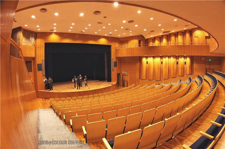 再次到星海音乐厅进行实地勘察,为演出做好充分的前期准备.